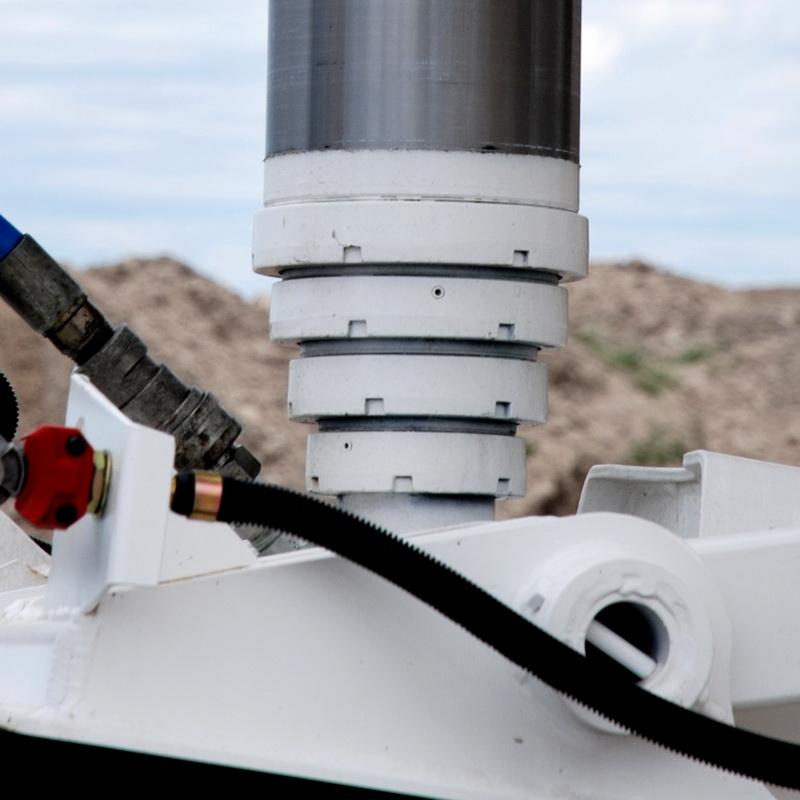 Hydraulic Dump Cylinder on Ranco End Dump